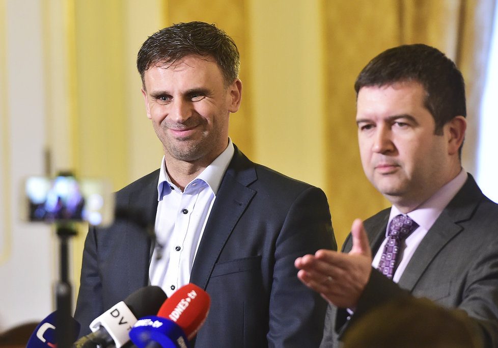 Jan Hamáček a Jiří Zimola se po zvolení ČSSD sešli poprvé s Andrejem Babišem (21.2.2018)