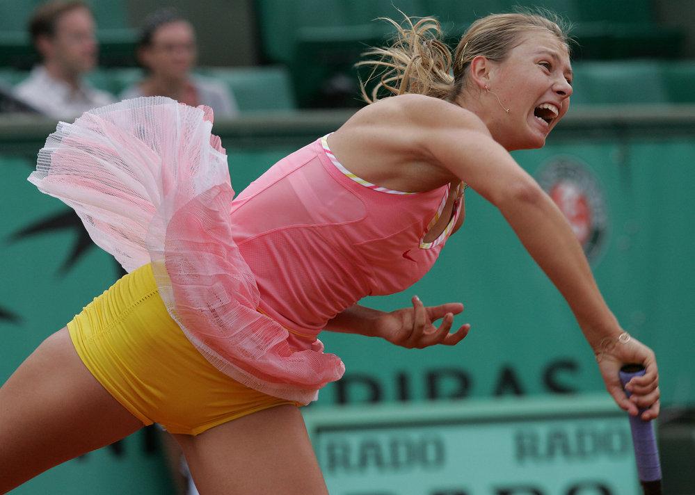 Půvabná tenistka v akci