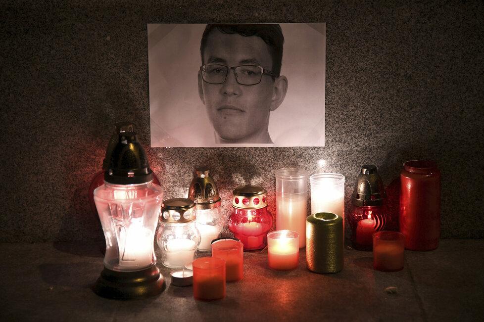 Slovensko drží smutek za novináře Jána Kuciaka a jeho přítelkyni Martinu.
