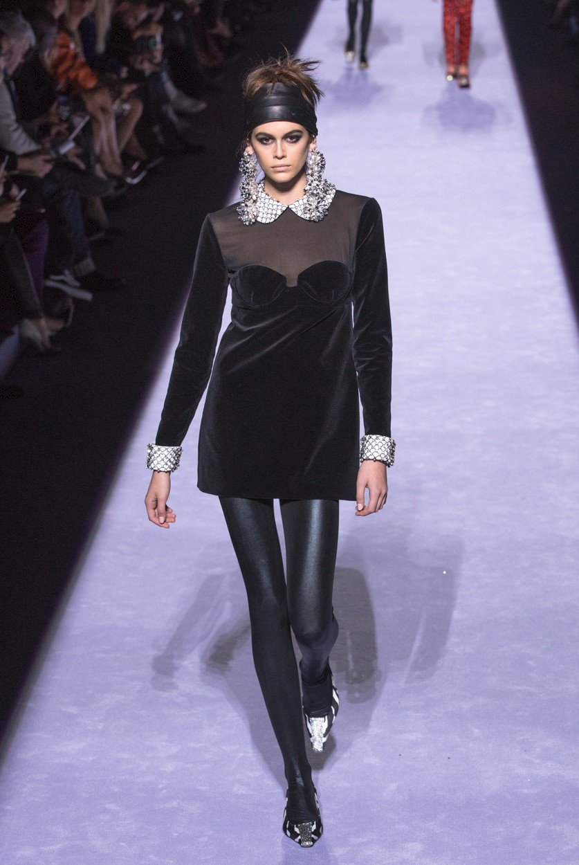 GALERIE  Devadesátkové trendy ve vlasech  Opět jsou v módě skřipce ... 7a825ae889