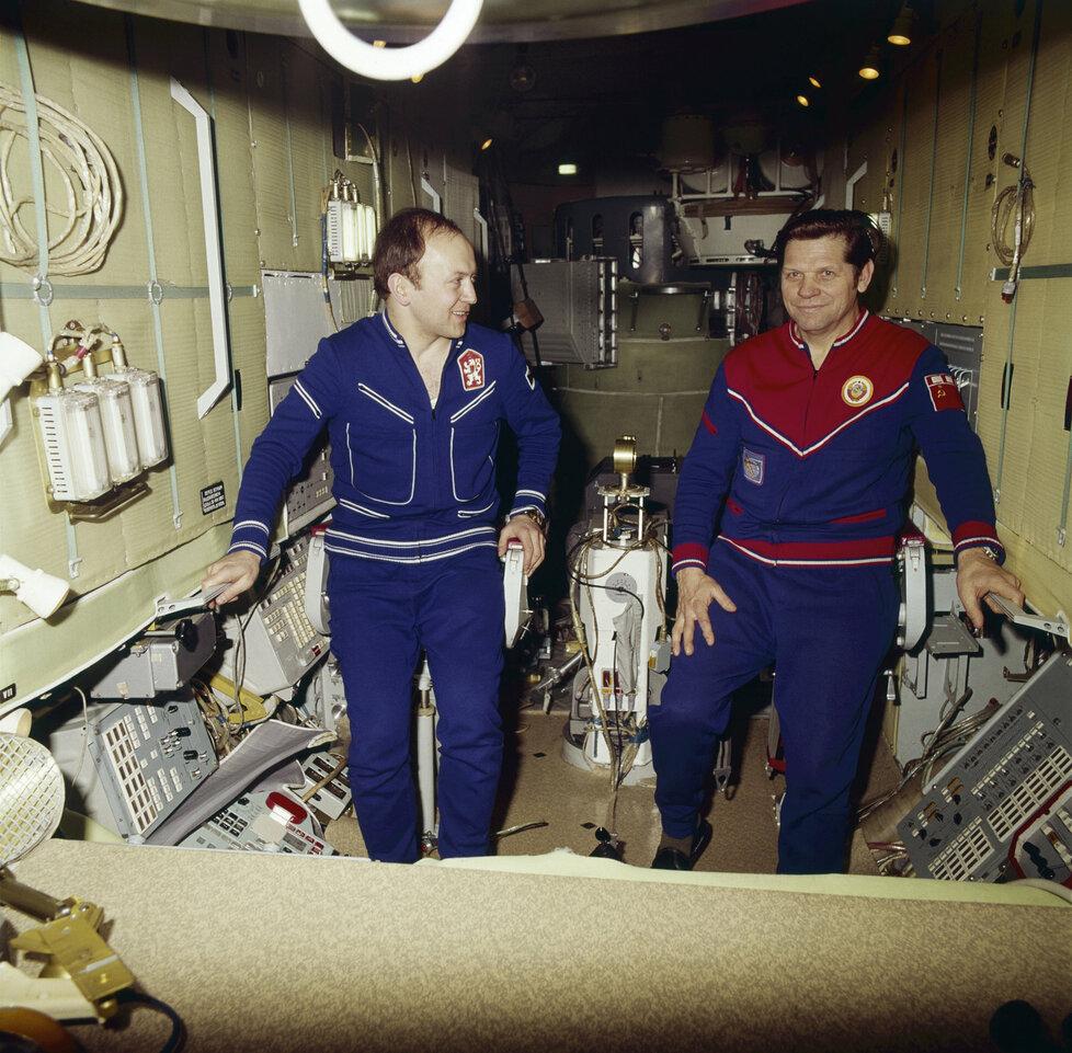 Při tréninku na let do vesmíru.