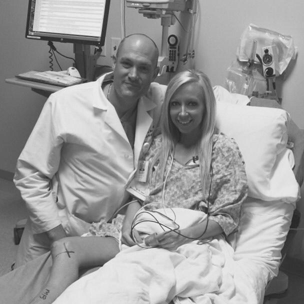 Se svým manželem po amputaci nohy