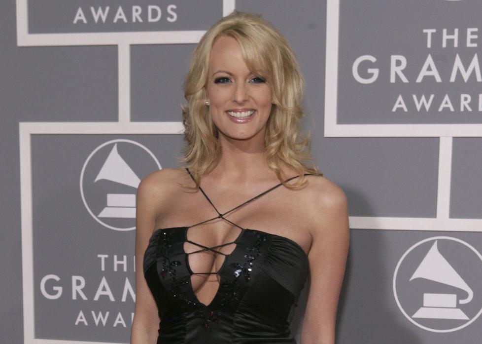 Pornoherečka Stormy Daniels (Stephanie Clifford) promluvila o údajném sexu s Donaldem Trumpem na CBS v rozhovoru s Andersonem Cooperem