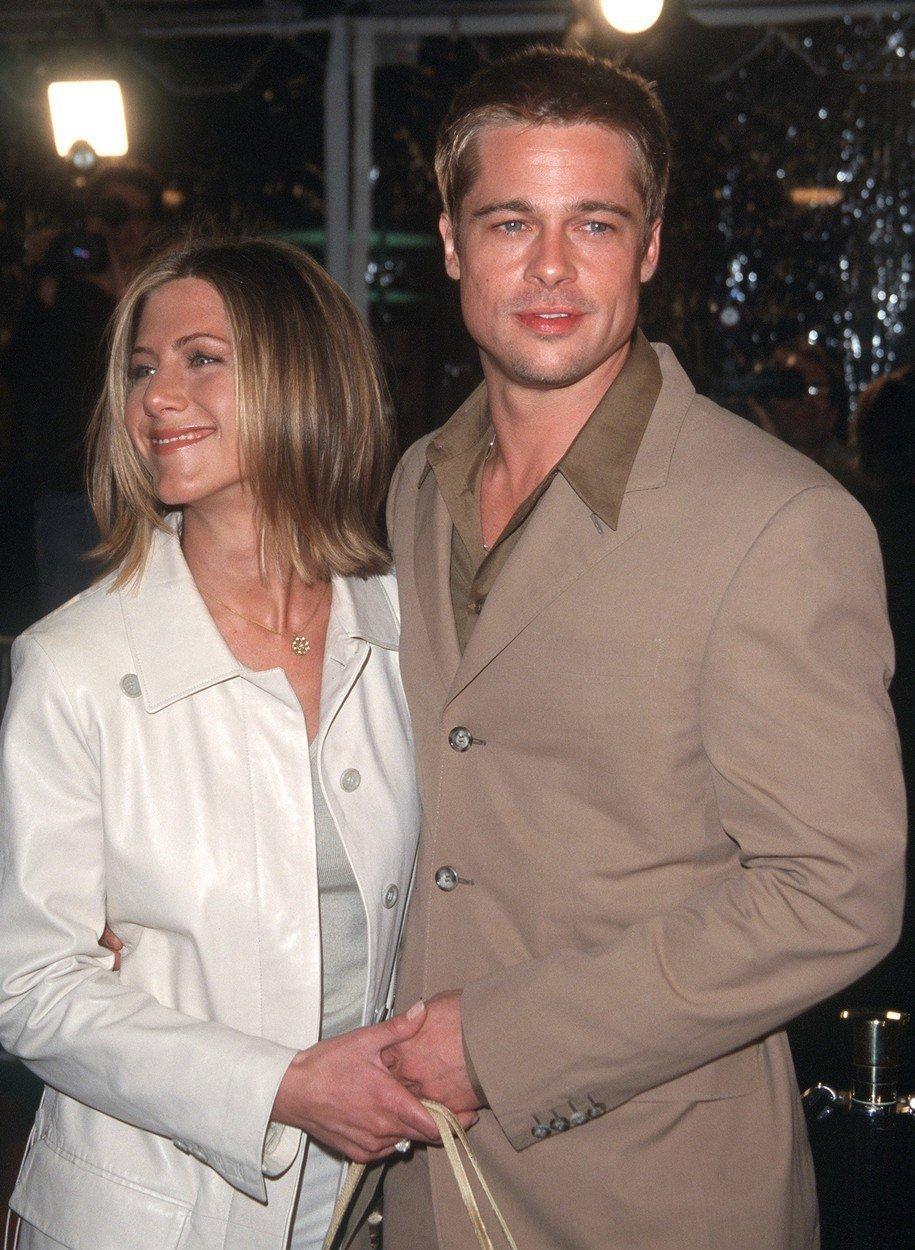 Brad Pitt s Jennifer Aniston v roce 2001.