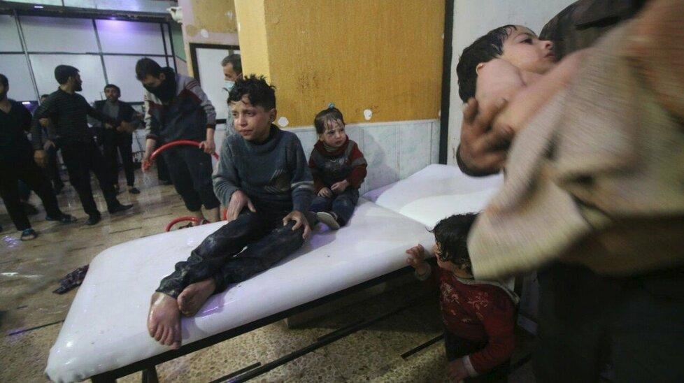 Nepotvrzený chemický útok v syrském městě Dúmá