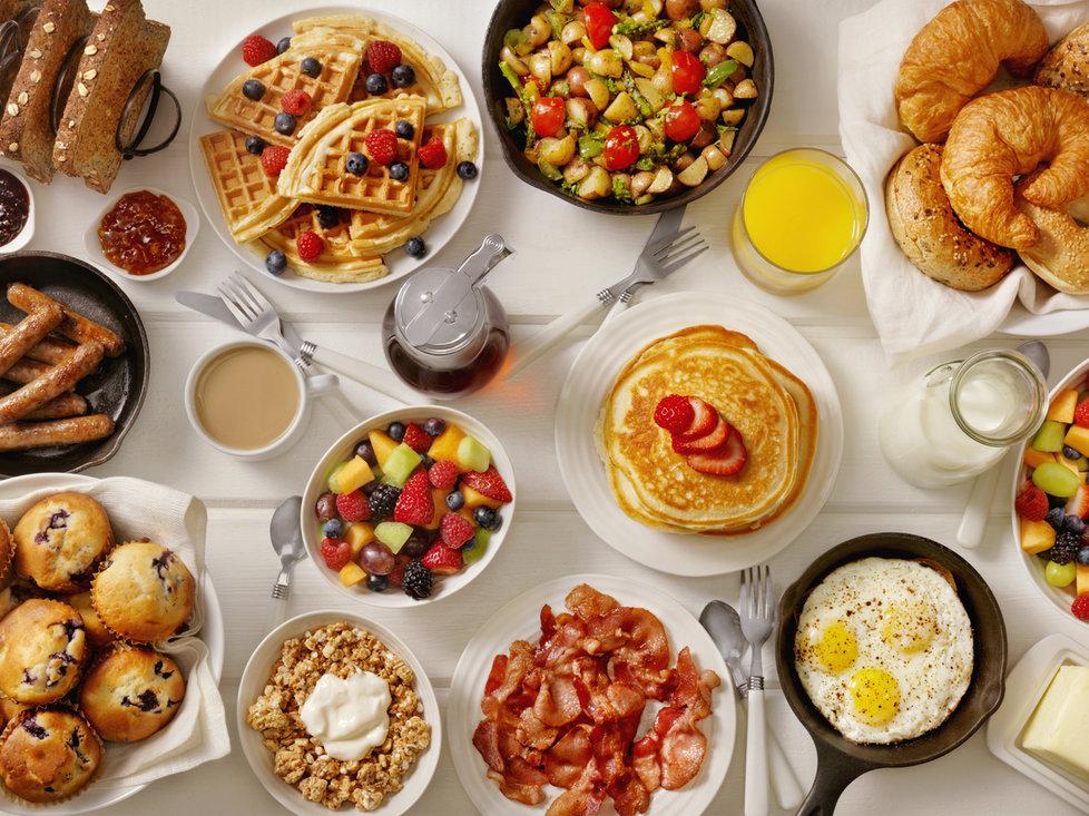 Pokud chcete zhubnout, nezapomeňte snídat.