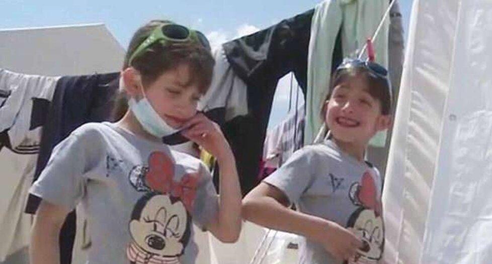 Sedmiletá Masa a její dvojče Malaz přežila chemický útok v Dúmě.