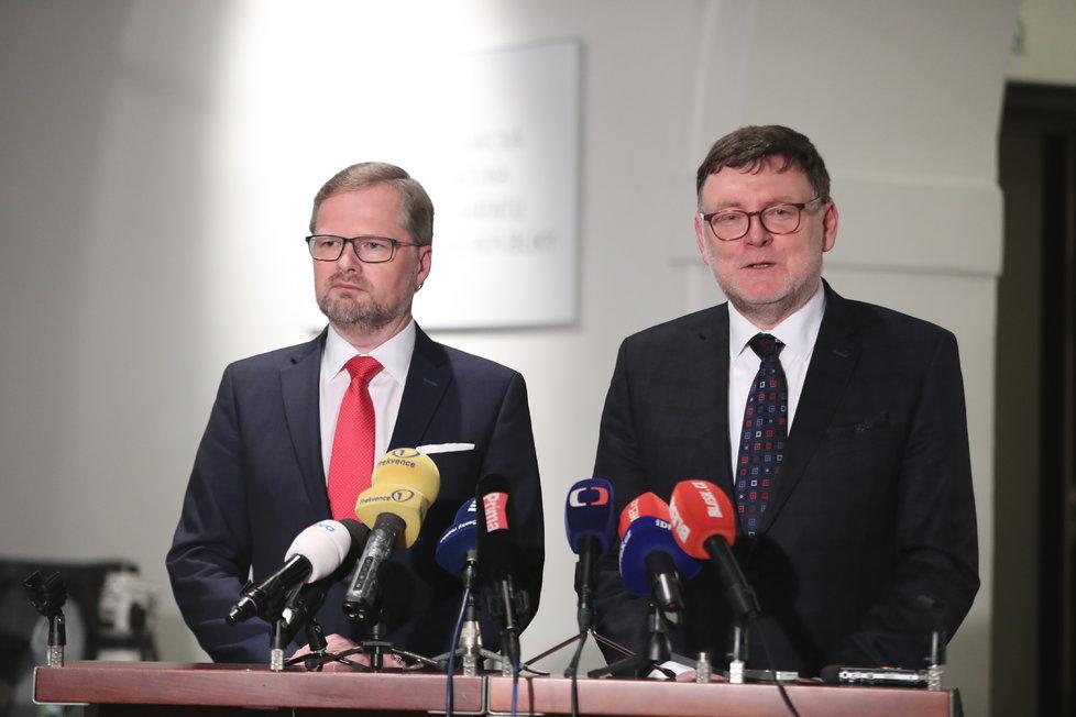 Jednání Sněmovny: Petr Fiala a Zbyněk Stanjura (ODS) na tiskovce
