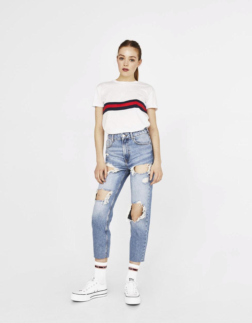 b823313c766 Nejžhavější džíny roku  Nosí se roztrhané kousky a retro střihy ...