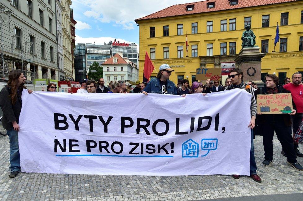 Demonstrace Za dostupné bydlení a důstojnou mzdu (1. květen 2018)