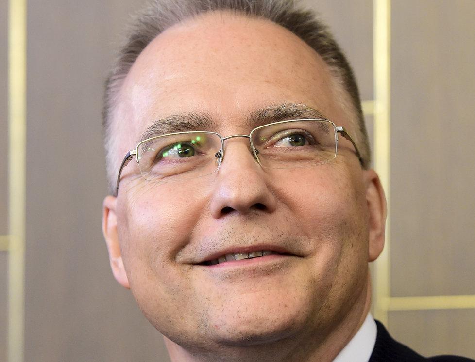 Prezident Miloš Zeman jmenoval do generálských hodností nové generály. Při dnešní ceremonii na Pražském hradě opět nezazněla jména ředitele Bezpečnostní informační služby (BIS) Michala Koudelky