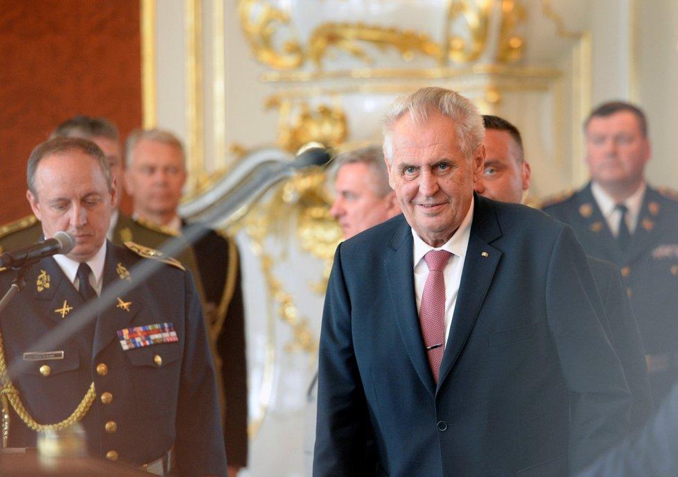 Prezident Miloš Zeman jmenoval na Pražském hradě 8. května 2018 nové generály z řad hasičů, policistů a vojáků