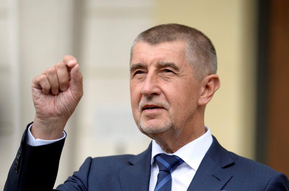 Andrej Babiš odcházel od prezidenta Miloše Zemana v dobré náladě (8. 5. 2018)