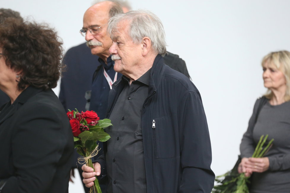 Karel Šíp na pohřbu Josefa Mladého