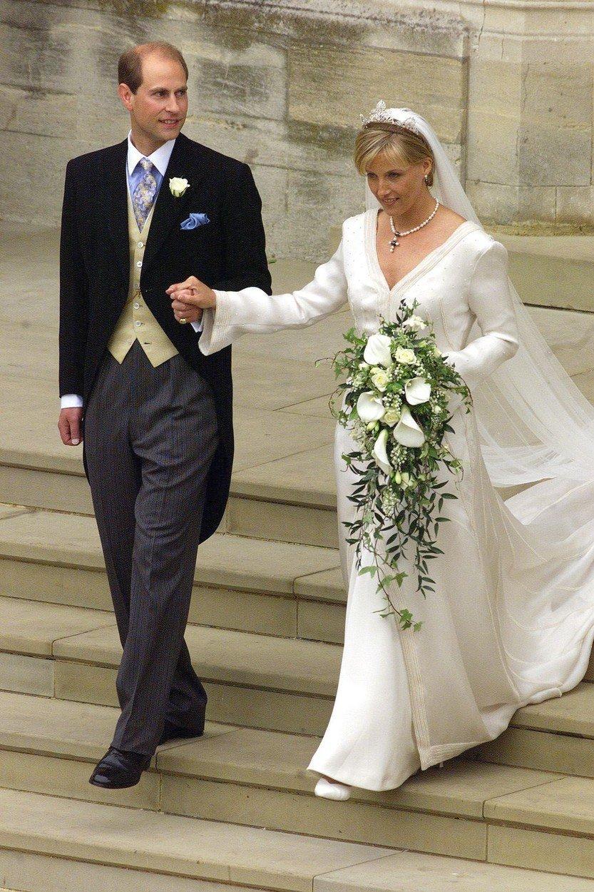 Svatba prince Edwarda s majitelkou úspěšné reklamní agentury Sophií Rhys-Jones v roce 1999