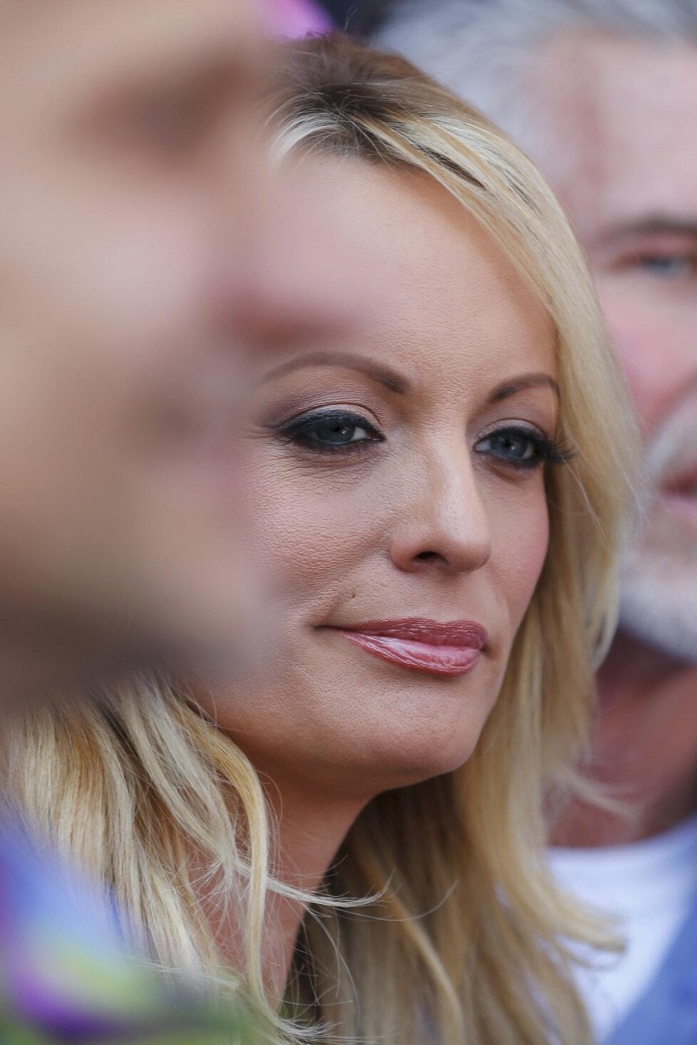 V Hollywoodu oslavovali Den Stormy Daniels. Pornoherečka, která se soudí s prezidentem Donaldem Trumpem, dostala symbolický klíč od města.