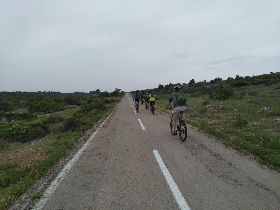 Cyklisté na Hvaru