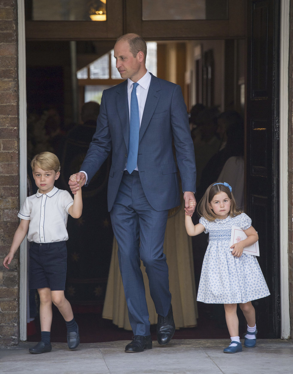 Princ William vede prince George a princeznu Charlotte