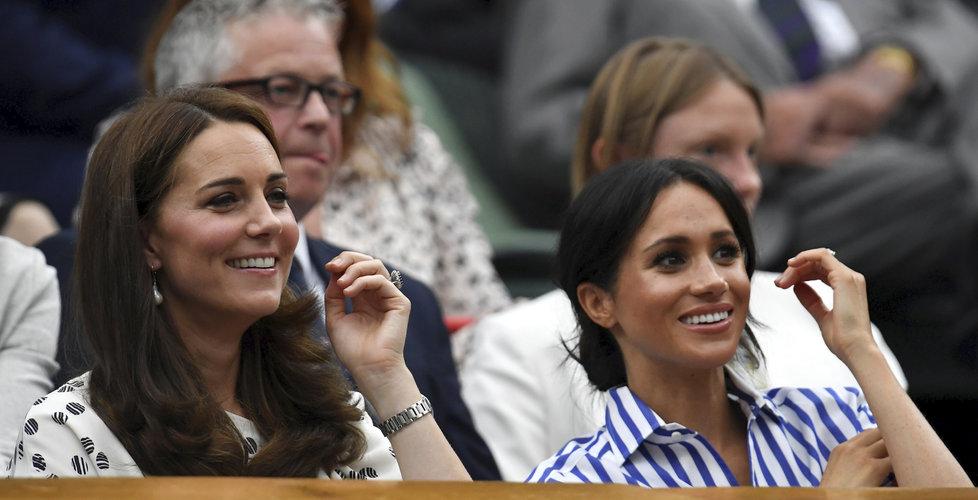 Meghan a Kate se na tenisovém zápase srdečně bavily.