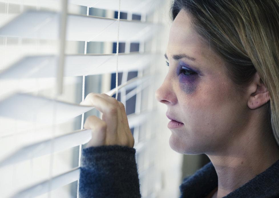 Obětem domácího násilí jde doslova o život