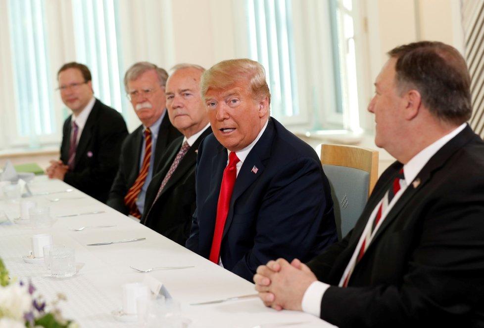 Americký prezident Donald Trump se v Helsinkách zúčastnil pracovní snídaně s finským prezidentem Sauli Niinisto