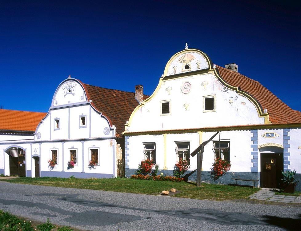 Pou na Hrku - Obec Holasovice