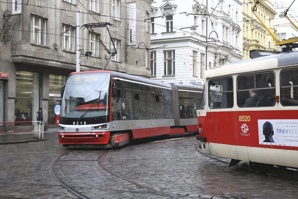Lazarská je nejvytíženější tramvajový uzel v Praze.