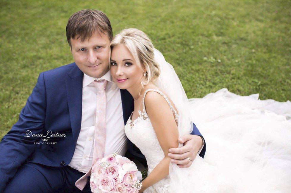 Ministr spravedlnosti Jan Kněžínek (za ANO) si vzal v Praze svoji partnerku Pavlu Zdráhalovou. (31. 8. 2018)