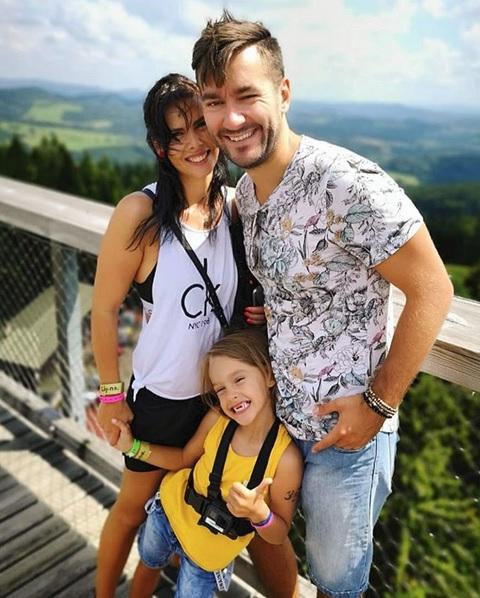 Marek Ztracený s přítelkyní a synem