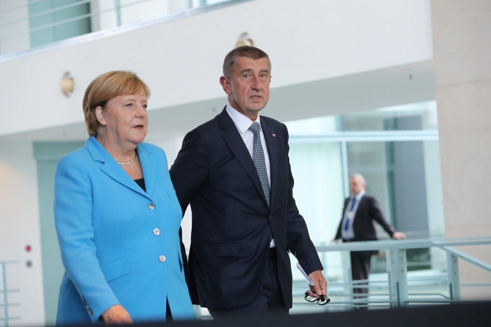 Společná schůzka německé kancléřky Angely Merkelové a českého premiéra trvala v německém kancléřství více než hodinu. Po té se oba přesunuli na tiskovou konferenci (5. 9. 2018)