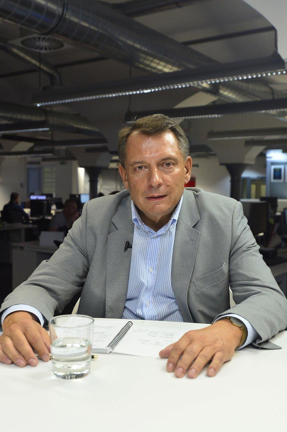 Expremiér a bývalý šéf ČSSD Paroubek o návratu do strany: Budu to znovu řešit po volbách. Nechce mě hlavně Praha 5, po hlasování si poměříme získané voliče