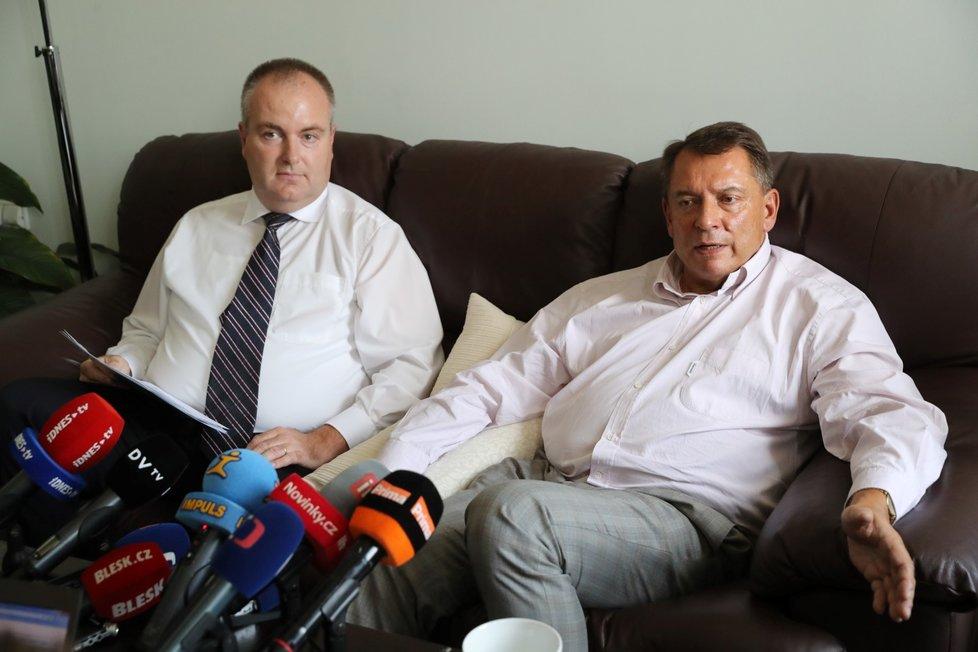 Oba - jak Paroubek, tak Michek kandidují do Senátu