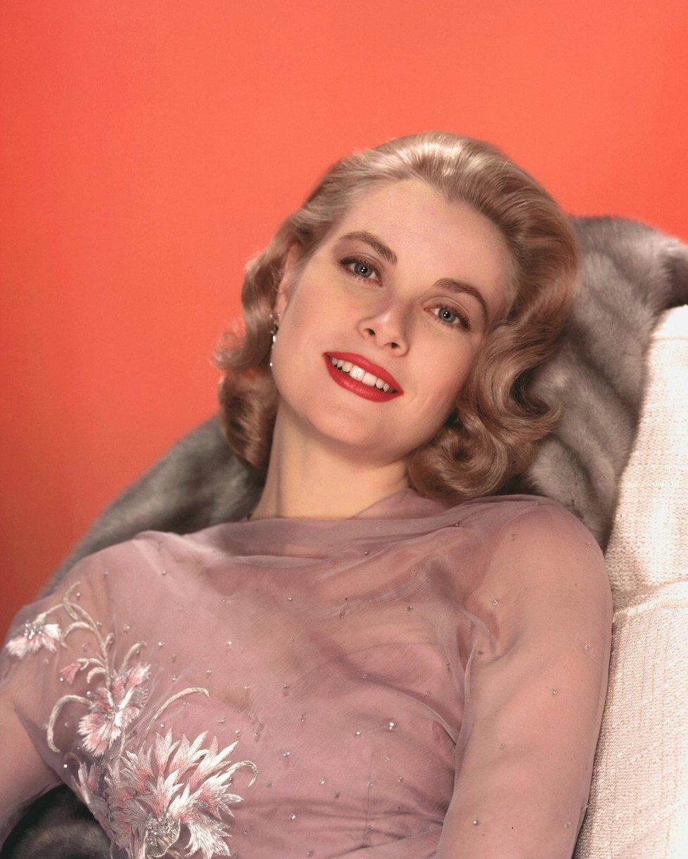 Byla nejen krásná, ale i výborná herečka. Zbožňoval ji hlavně slavný Hitchcock, zahrála si v jeho třech filmech