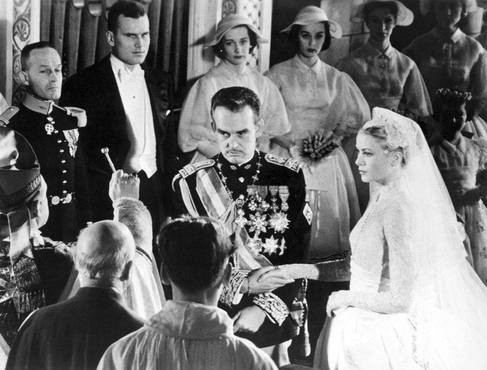 Svatba s monackým knížetem Rainierem III. v roce 1956 byla obrovská