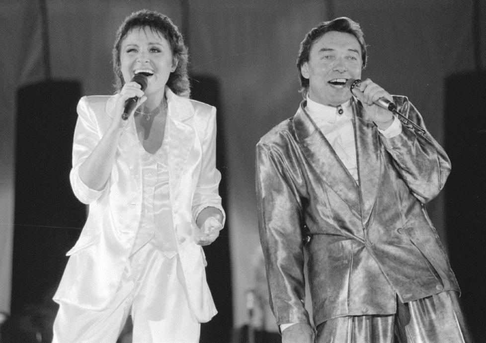 1990 - Jitka Zelenková a Karel Gott