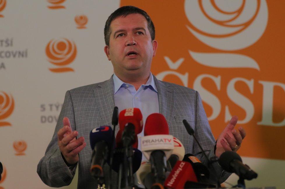 ČSSD musí podle předseda Jana Hamáčka zabrat především ve velkých městech. Výsledky voleb ale nepovažuje za velkou katastrofu
