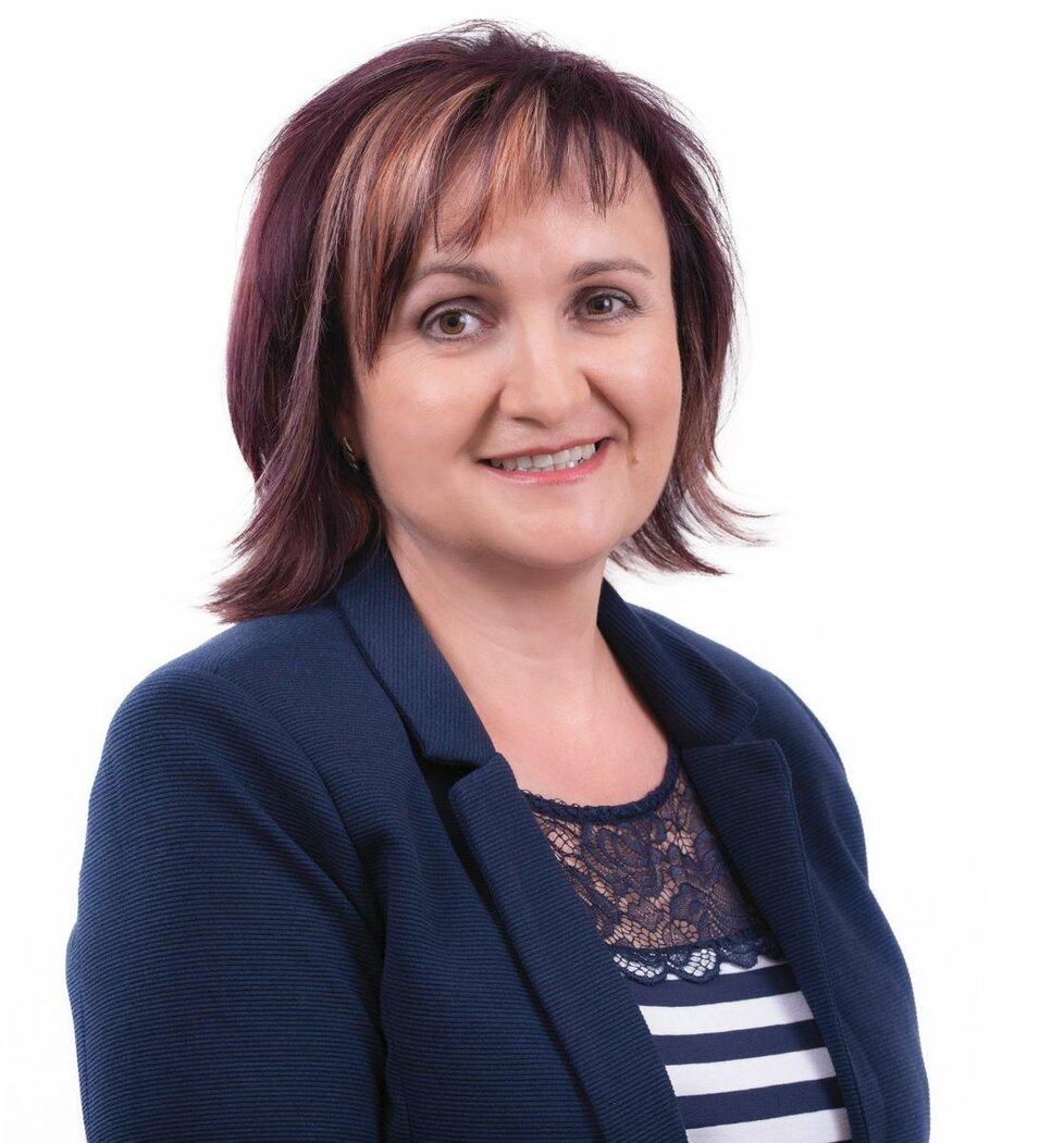 První kolo senátních voleb v Třebíči vyhrála s přehledem Hana Žáková (STAN, když získala bezmála dvakrát víc hlasů, než druhý kandidát v pořadí.