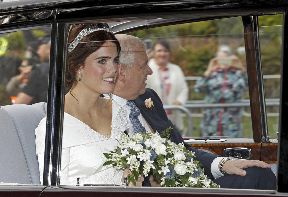 Princezna Eugenie přijíždí na obřad