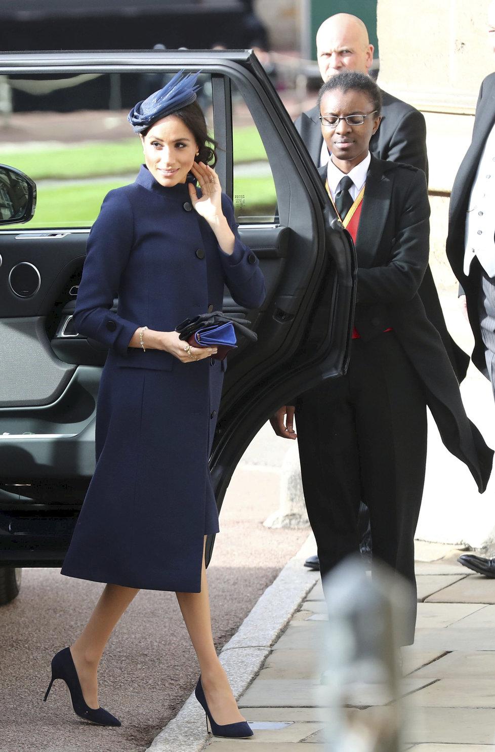 Vévodkyně Meghan přijíždí na svatbu princezny Eugenie