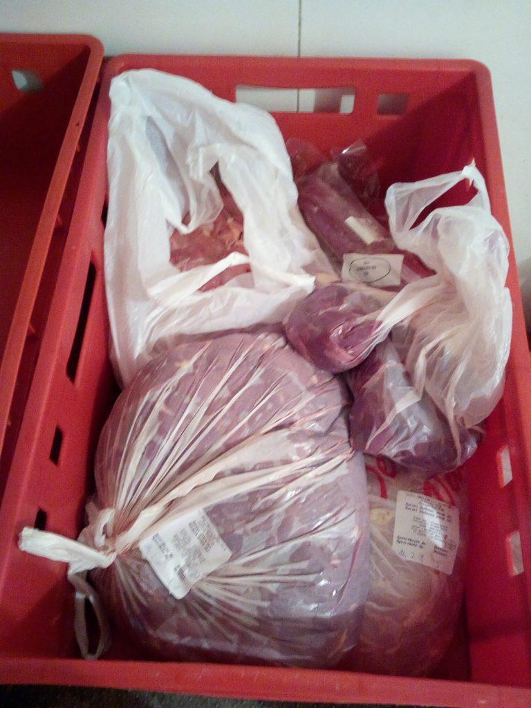 Prošlé maso našli veterináři v Kostelci nad Orlicí (ilustrační foto)