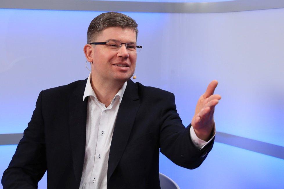 """Jiří Pospíšil, předseda TOP 09, nemá asi Babiše příliš v lásce. Jeho """"nerezignování"""" v případě obžalování za dotační podvod bere jako mezinárodní ostudu."""