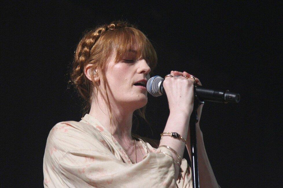Další hvězdou příštího ročníku Colours of Ostrava se stane britská skupina Florence + The Machine.