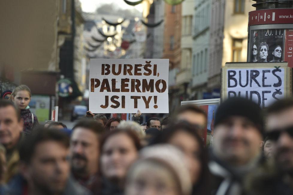 Proti Andreji Babišovi protestovali 17. listopadu 2018 i lidé v Brně