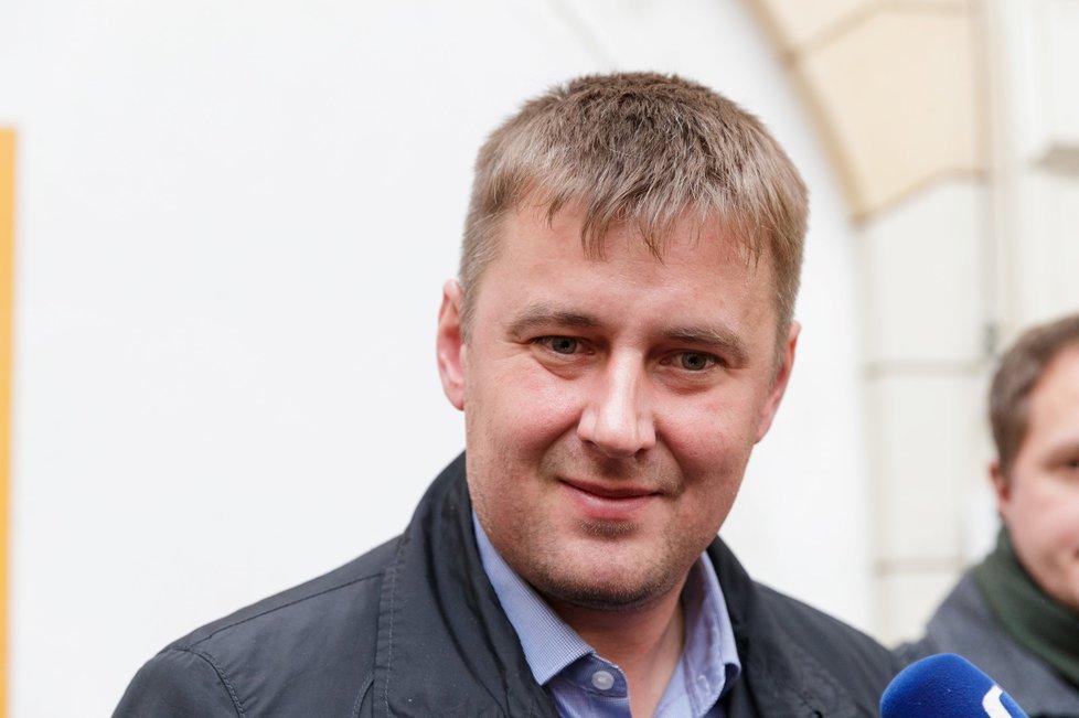 Tomáš Petříček před jednáním předsednictva ČSSD.