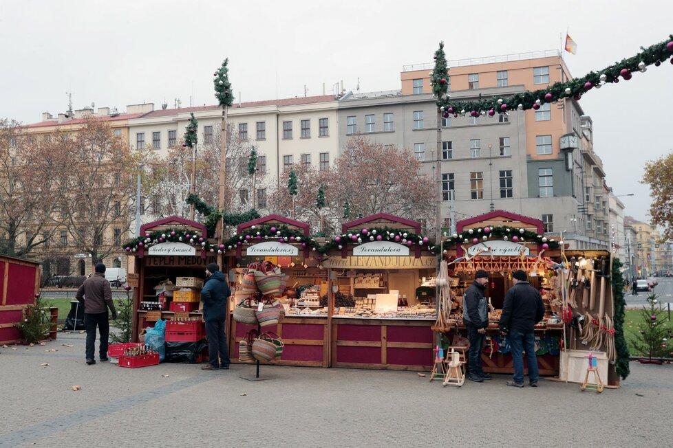 trhy náměstí míru