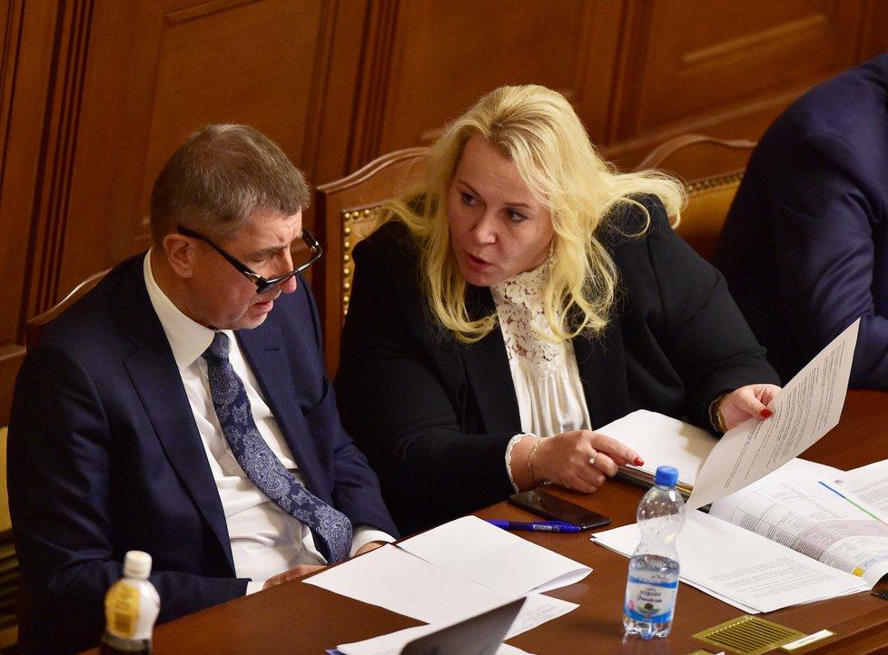 Ministryně pro místní rozvoj Klára Dostálová (za ANO) označila za nesmysl, že by v kauze kolem ministerstva a agentury CzechTourism mělo jít o dotační podvod.