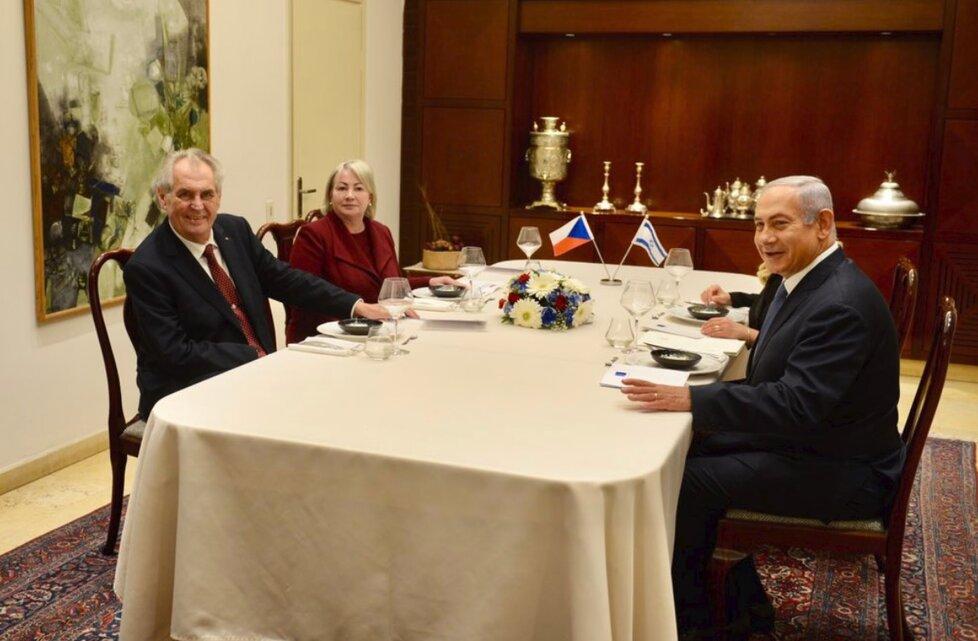 Miloš a Ivana Zemanovi v Izraeli: Na oběd je pozval premiér Netanjahu.
