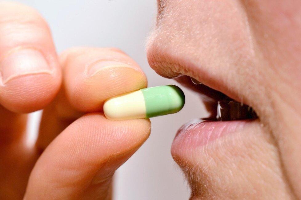 Můžeme brát léky na lačný žaludek?