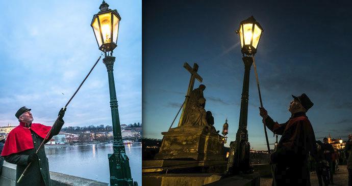 Světlonoš z Karlova mostu: Vdechuje život 51 lucernám
