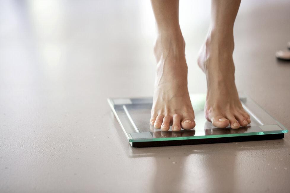 Řešíte, jak zhubnout povánoční kila navíc?